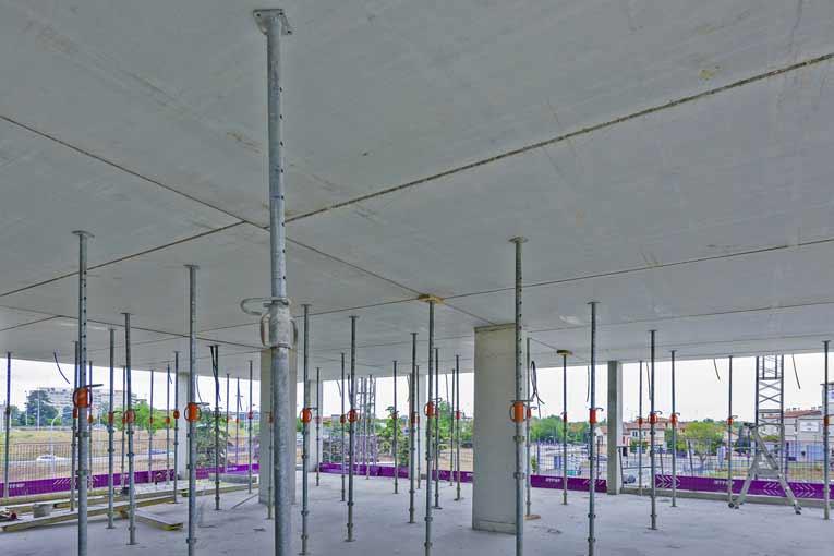 Juste des poteaux et des dalles : le système Caméléo de Rector offre une grande liberté de conception pour les bâtiments de logements. [©ACPresse]