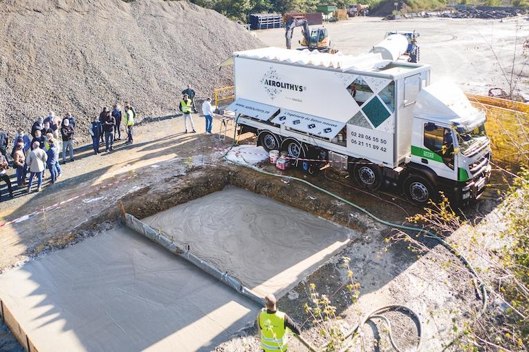 Le camion Aerolithys parcourt les routes de la région nantaise pour faire découvrir son concept de béton mousse.  [©Aerolithys]