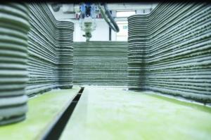 HeidelbergCement dispose d'un robot de paillasse et participe aussi à des projets grandeur nature. [©HeidelbergCement/Michael Rasche]