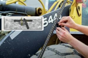 Noyé dans le béton, lié à une armature, le capteur de Concrete Sensors transmet la température, la résistance et l'humidité du béton durant sa phase de prise. [©Concrete Sensors]