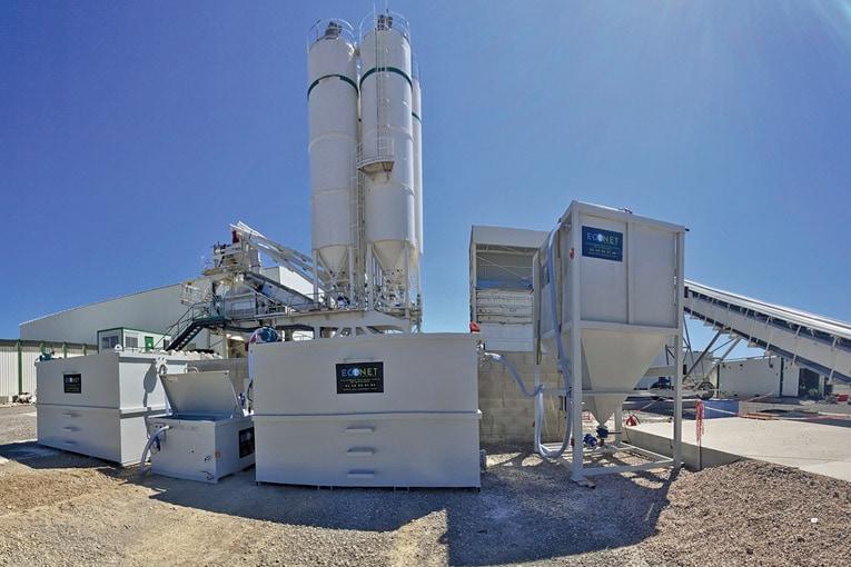Econet permet de réduire le taux de pH des eaux en lien avec le ciment de manière instantanée. [©ECL]