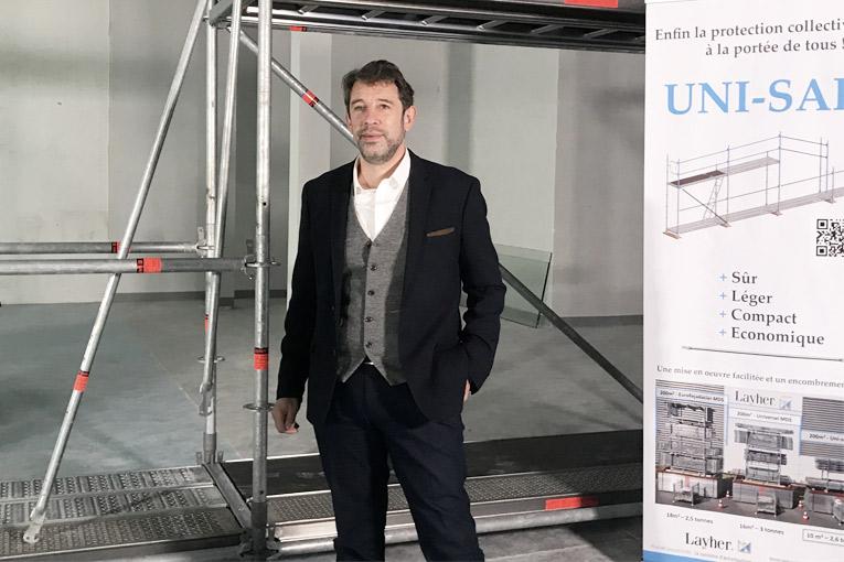 Eric Limasset, président de Layher France, présente l'Uni-Safe. [©ACPresse]