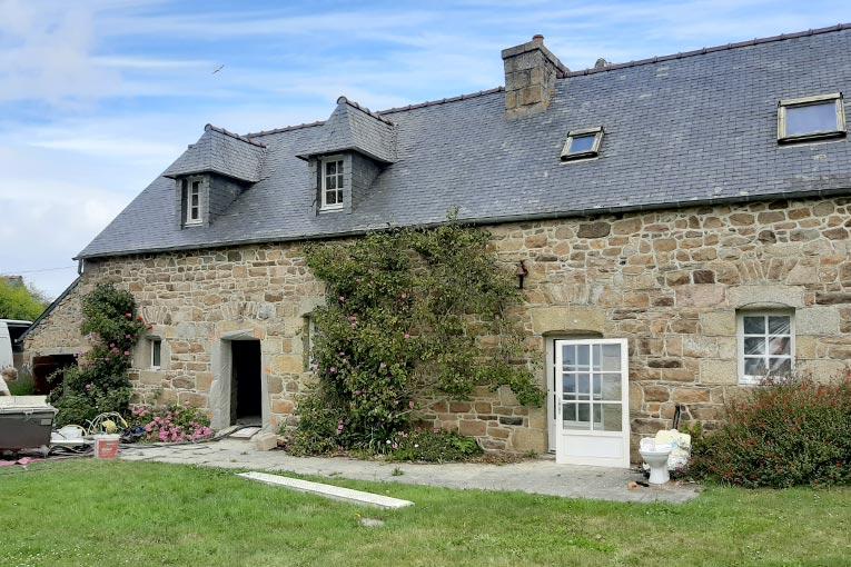 Les propriétaires d'une maison en pierre ont fait le choix d'une rénovation respectueuse de l'environnement. [©Parexlanko]