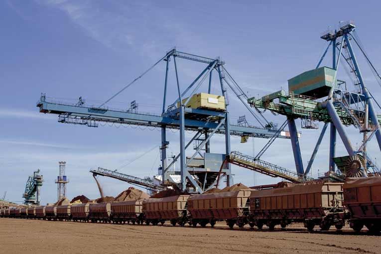 L'acheminement, les moyens de transport et toute l'organisation logistique sont des points cruciaux dans la construction. [©Jean-Marc Fabbro]