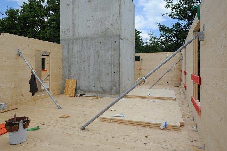 Construction d'un bâtiment en bois.