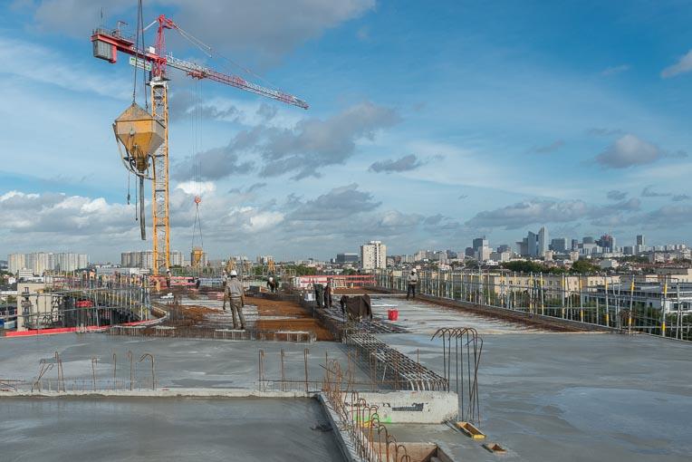 En 2021, les mises en chantier s'afficheraient en baisse de 12,6 % en logement. [©ACPresse]