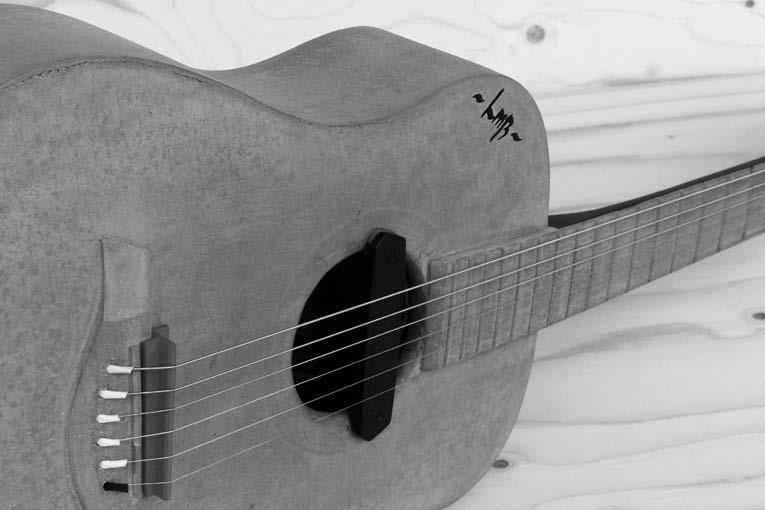 L'Atelier Mérillon – La Manufacture du béton a réalisé des instruments de musique décoratifs en Bfup. [©Atelier Mérillon]