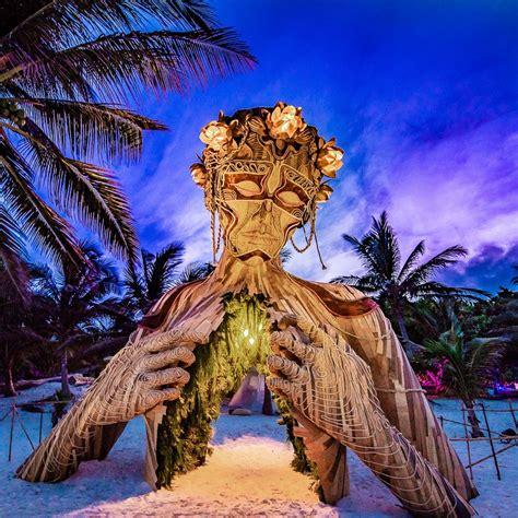 """""""Ven a la Luz"""", installation in Tulum, à Mexico. [©Daniel Popper]"""