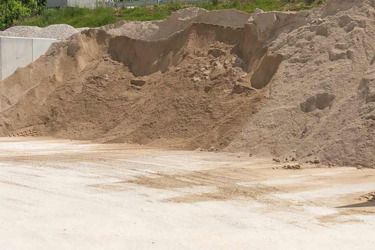 Hervé Loire Béton peut désormais introduire entre 50 et 60 % de sables difficiles dans sa production de BPE. [©ACPresse]