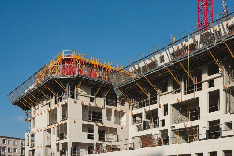 Fermetures de chantiers et protocoles sanitaires stricts ont été le fruit de la crise liée à la Covid-19. [©ACPresse]
