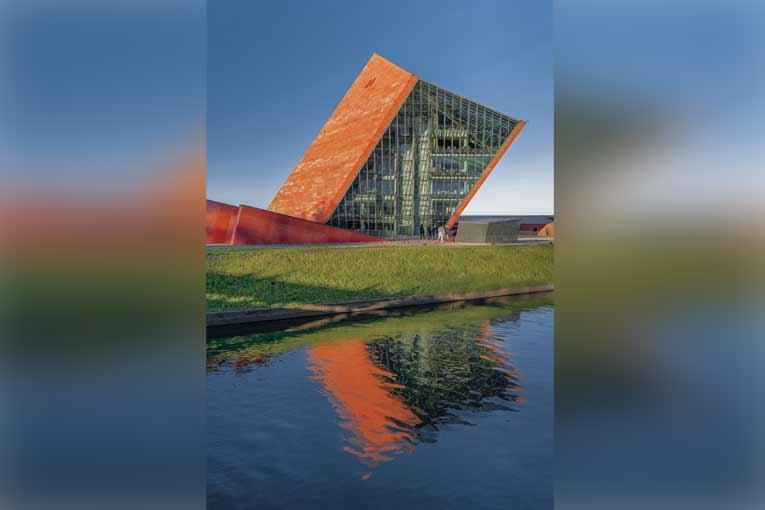 « Pour beaucoup, le bâtiment du musée est associé à une tour penchée », souligne l'architecte Jacek Droszcz. [©Studio d'architecture Kwadrat]