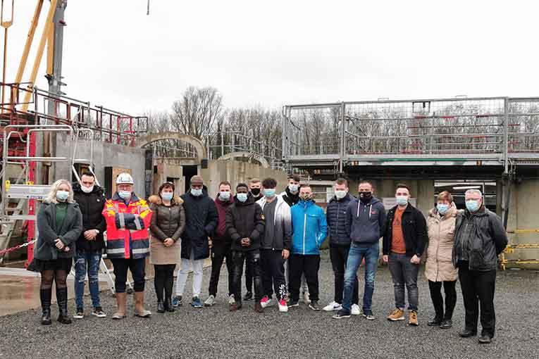 Dix jeunes venant de tous les horizons vont pouvoir se former au métier de coffreur-bancheur au sein du groupe Ramery. [©Groupe Ramery]