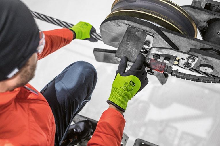 Uvex lance sa gamme de gants protecteurs et innovants. [©Uvex]