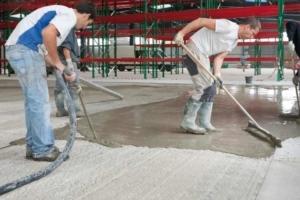 Mise en œuvre du mortier hydraulique Refec Sol Cem Fast. [©Duromit]