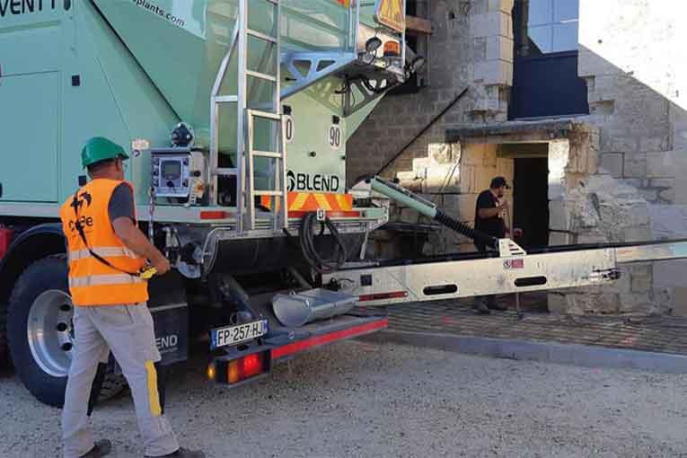 Avec son service Cub'Drive, CuBe livre les chantiers nécessitant des quantités de béton limitées.   [©CuBe]