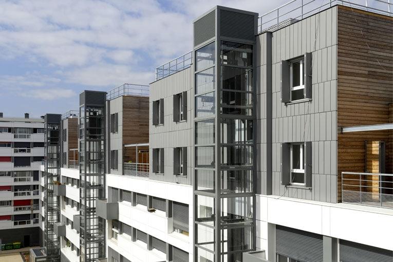 La surélévation en ossature bois n'a pas nécessité de renforcement structurel des bâtiments existants. [©Augosto Da Silva - Graphix-Images]