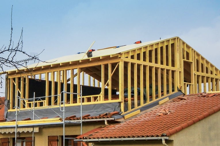 Au niveau de la réglementation thermique, une surélévation est à considérer comme une construction neuve. [©Surélévations 31]