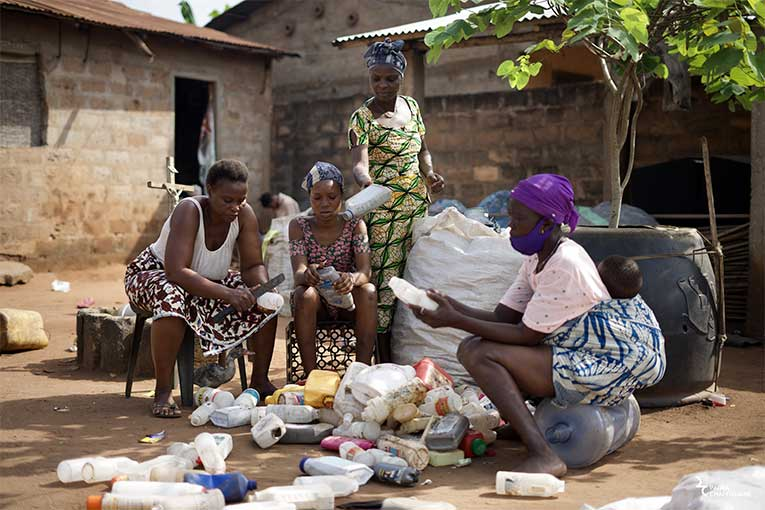 """""""Terre de Femmes"""" voit le jour, en 2001. Ce prix récompense des femmes pour leurs actions et leurs engagements pour l'environnement. [©Paola Chapdelaine]"""