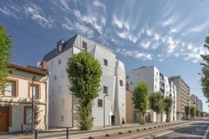 Situé à Toulouse, Côté Garonne est constitué de deux bâtiments en R+5 et R+6. [©Letellier Architectes]