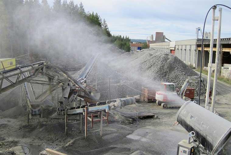 La brumisation, une solution efficace en extérieur pour limiter la propagation des poussières. [©DR]