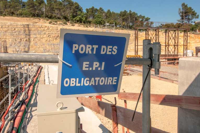 Par forte chaleur, le port des EPI doit aussi être adapté à ces conditions difficiles.  [©ACPresse]