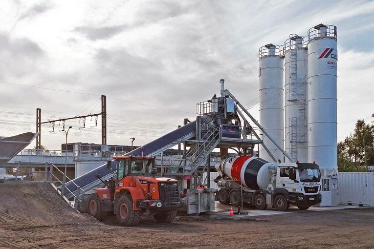 C'est une unité mobile Euromecc qui permet à Cemex de livrer le chantier du quartier Belvédère, à Bordeaux. [©Cemex]