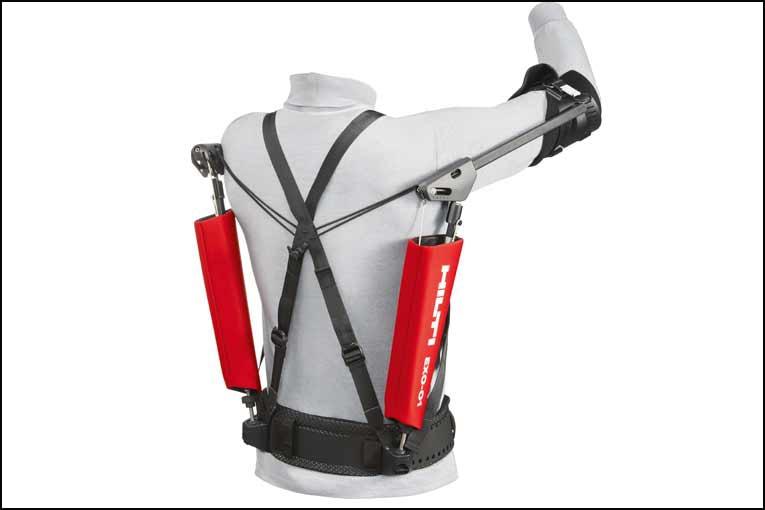 Hilti a lancé Exo-1, son premier exosquelette destiné à aider les compagnons qui travaillent les mains au-dessus de la tête.[©Hilti]