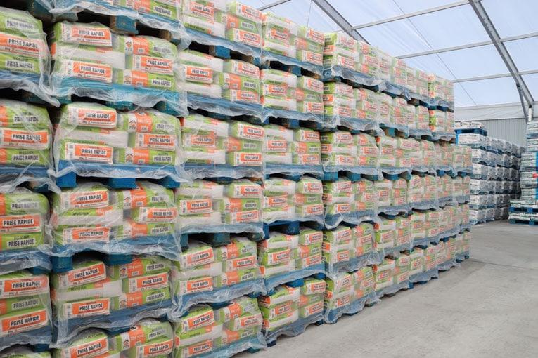 Une fois chargées, les palettes sont prêtes pour être transportées vers les différents magasins de la grande distribution. [©PRB]