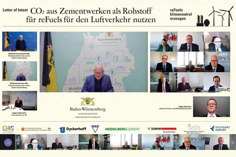 C'est en présence de Winfried Kretschmann, ministre-président du Land de Bade-Wurtemberg, et de Winfried Hermann, son ministre des Transports et Infrastructures, qu'a été signée la lettre d'intention relative à la création du projet pilote Catch4Climate. [©DR]