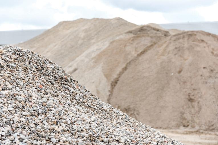 Valoriser les bétons issus de la déconstruction permet de préserver les ressources, tout en favorisant l'économie circulaire. [©ACPresse]