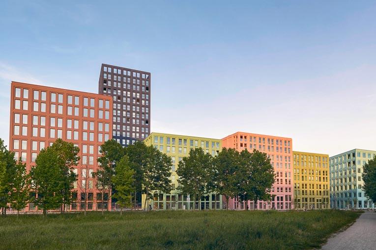 Signé Lan, le Nouveau lieu de Strasbourg - ou Nolistra - est un projet qui compte huit bâtiments regroupant un hôtel, des logements et des bureaux. [©Lan/Keim]