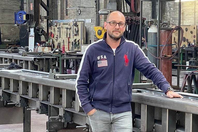 Rémy Mallet est le fondateur et le gérant de l'entreprise industrielle Moules Concept Béton (MCB). [©MCB]