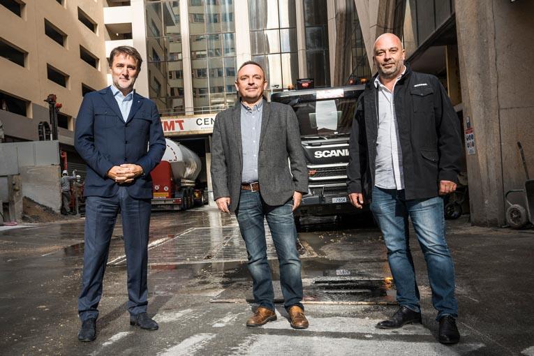 De gauche à droite, Philippe Ortelli, Eric Humilier, Emmanuel Aldeguer, engagés ensemble dans une politique client/fournisseur fondée sur la fidélité et l'exigence. [©Fred Boyadjia]