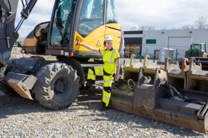 Chatard lance ses polos aux courbes féminines adaptés aux métiers des femmes sur les chantiers. [©Chatard]
