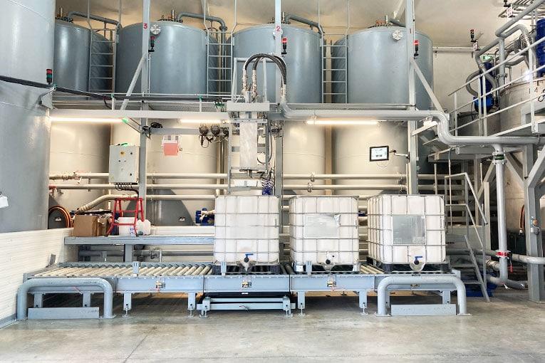 Le nouveau site dispose d'une capacité de stockage de 250 t et produit 125 t de polyols formulés chaque semaine. [©TPF Industrie]