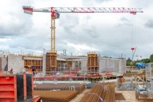 La RE 2020 s'appliquera aux permis de construire déposés à partir du 1er janvier 2022 et concernera aussi bien les constructions neuves que les ajouts de parties neuves sur des ouvrages déjà existants. [©ACPresse]