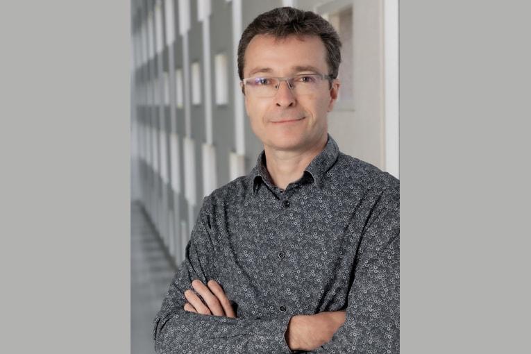 Directeur matériaux et économie circulaire au Cérib, Patrick Rougeau assure l'animation du Groupe d'experts solutions bas carbone. [©William Abenhaim]