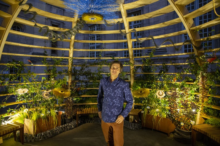 Chef de file du design végétal depuis une douzaine d'années, Alexis Tricoire place le vivant au cœur de notre univers quotidien. [©Studio Tricoire]