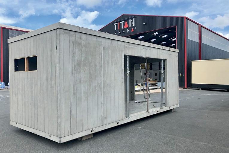 Titan Préfa a adapté la conception de shelters préfabriqués sur mesure en fonction des besoins des clients. [©Titan Préfa]