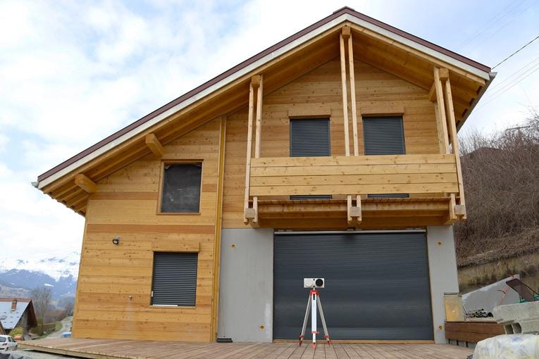 Un exemple d'expérimentation in situ suite à une rénovation énergétique effectué à Passy, en Haute-Savoie. [©Sereine]