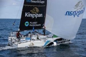 Tom Dolan sur son bateau sponsorisé par Kingspan.