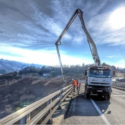 Mention spéciale et Photo d'art pour le chantier du Viaduc de Chatillon-en-Michaille (01), dont le pompage a été réalisé par Cemex.