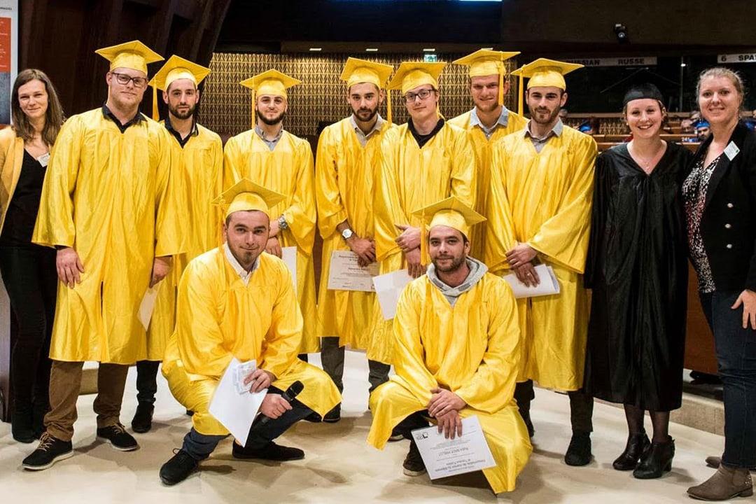 Les étudiants diplômés de la formation en alternance de Soprema Entreprises.