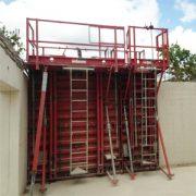 Le procédé GBE se distingue par système, comprenant un double mur en béton banché avec un panneau isolant intégré. [©Lafarge France]