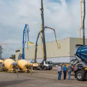 Liebherr inaugure une toute nouvelle halle de production de pompes à béton, ainsi qu'un vaste centre logistique sur son site de Bad Schussenried, en Allemagne. [©ACPresse]