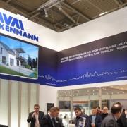Le stand de Weckenmann présentait le concept d'unité de production mobile.