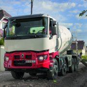 Porteur Renault Trucks C 430 8x4 XLoad équipé d'une toupie. [©Renault Trucks]