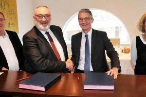 La Capeb et Isover ont renouvelé, pour trois ans, le partenariat qui les unit. [©Capeb]
