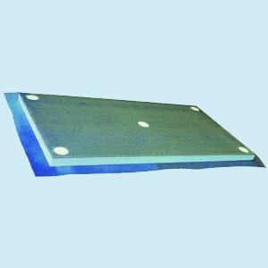 Les panneaux Ecap sont sous-enduits équipés d'une fibre de verre et pré-chevillés en usine. [©Edilteco]