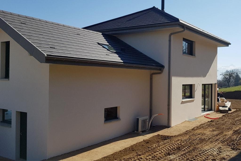 Maisons Oxygène inaugure sa première maison individuelle certifiée NF Habitat HQE et labellisée E+C- en Haute-Savoie. [©Maisons Oxygène]